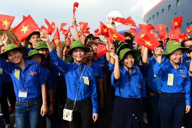 Tuổi trẻ Việt Nam học tập và làm việc theo tấm gương bác Hồ