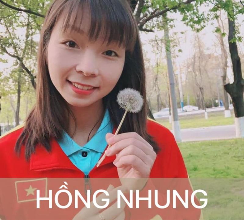 Nữ cầu thủ Hồng Nhung