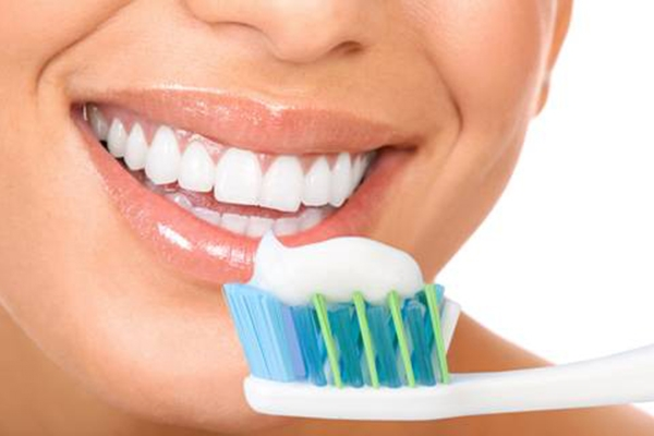 Đánh răng quá nhanh