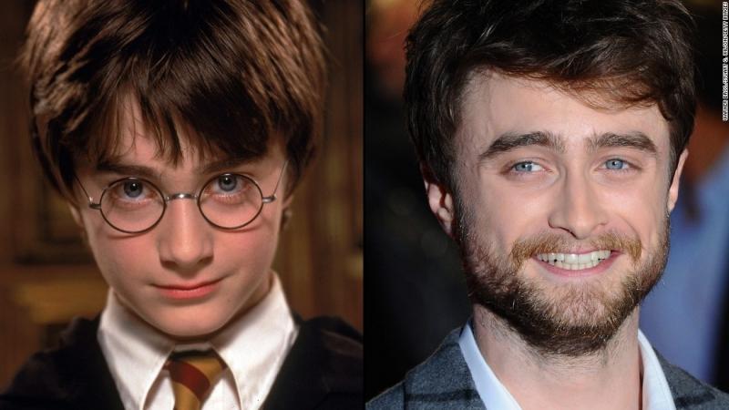 Harry không có gì thay đổi ngoại trừ bộ ria mép làm anh trông già hơn so với tuổi