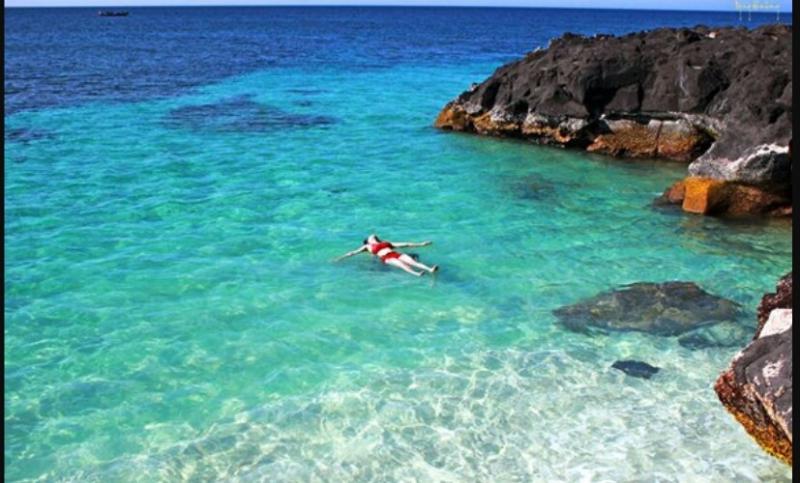 Bãi tắm quyến rũ của Đảo Bé