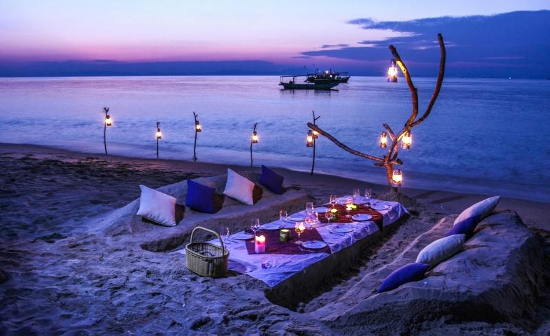 Buổi chiều tối lãng mạn bên bãi biển.