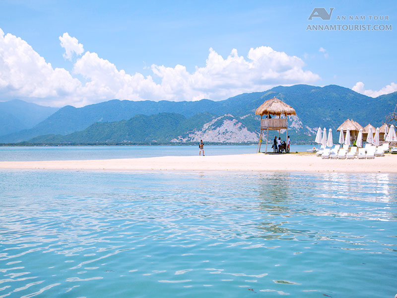 The beautiful scenery of Diep Son island under the lens of tourists
