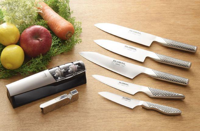 Dao GLOBAL là dòng dao đầu tiên trên thế giới được thiết kế tay cầm rỗng và chứa cát bên trong