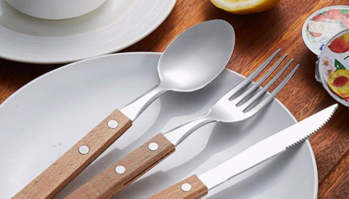 Không nên tặng dao kéo vào đầu năm mới