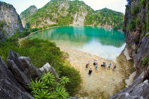 """Đảo Mắt Rồng được """"săn đón"""" bởi chính sự hoang sơ, nguyên thủy"""