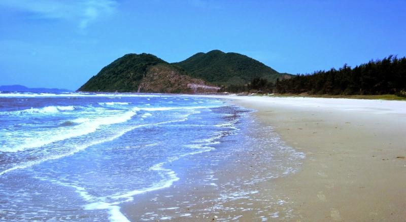Bãi biển Quan Lạn - Vân Đồn