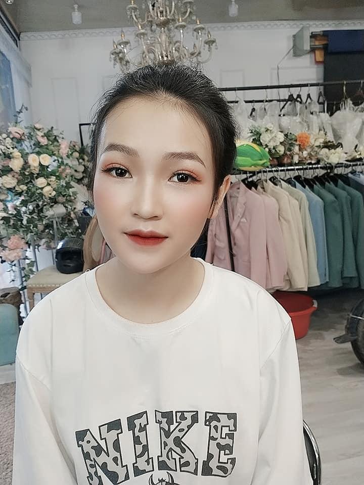 Makeup đi diễn tại Đào Studio