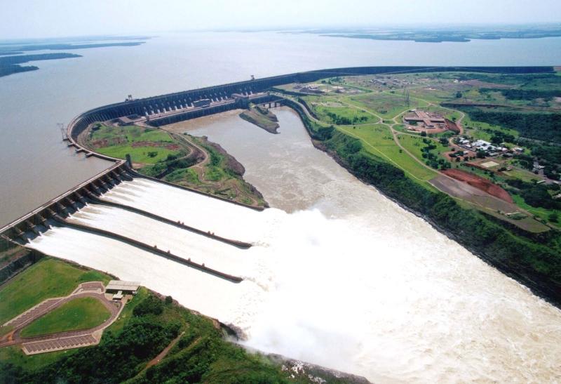 Đập Itaipu (Brazil - Paraguay) - 14,000 MW