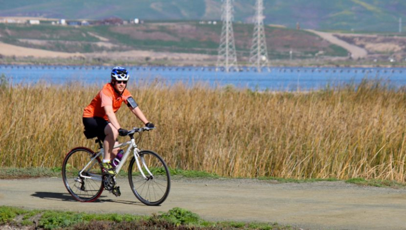 Đạp xe là một trong những cách giúp bạn giảm cân