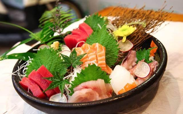 Món ăn được trang trí đơn giản mà bắt mắt Dasushi