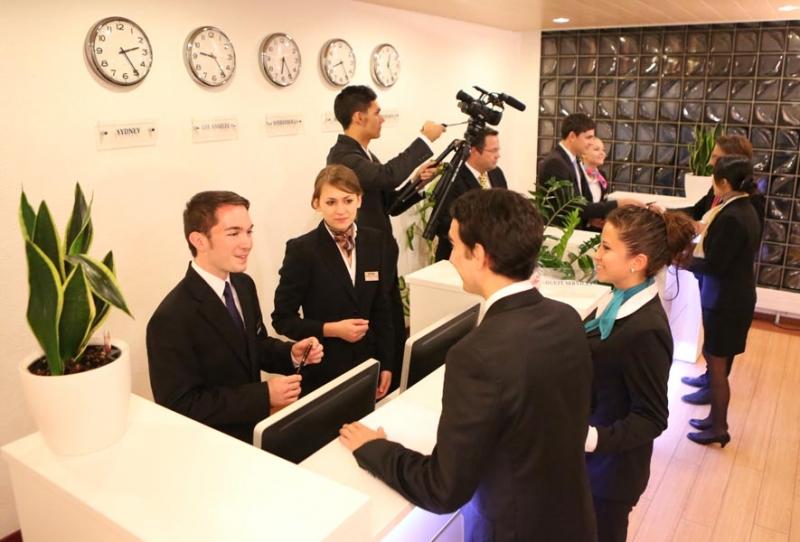Nguồn nhân lực quản lý chất lượng cho các hệ thống khách sạn 5 sao trên toàn thế giới