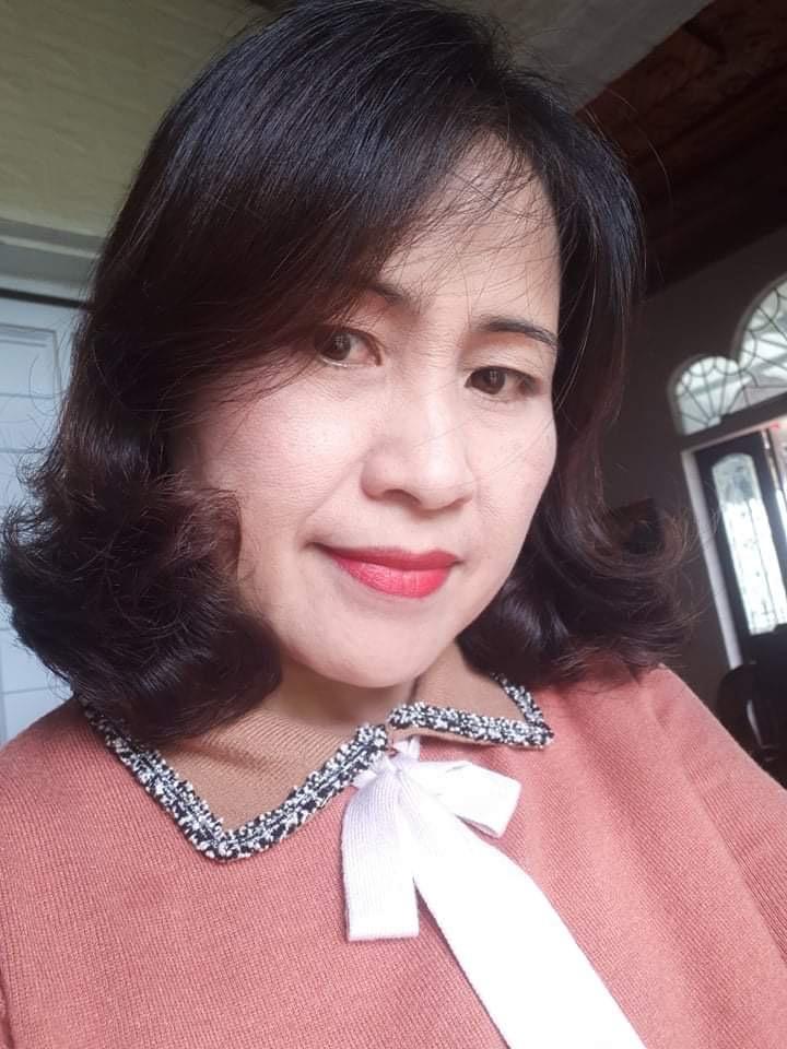 Ảnh chân dung nhà thơ Hồ Thị Hiền