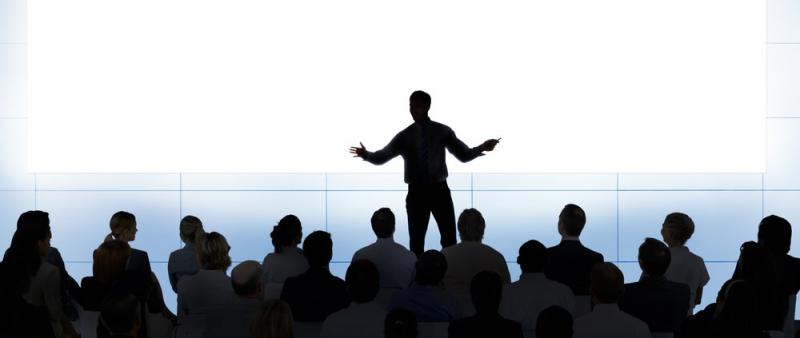 Các câu hỏi mang tính khái quát sẽ làm cho khán giả quan tâm và tập trung vào chủ đề của bạn hơn!