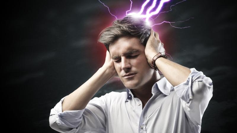 Đau đầu phần nhiều xảy ra ở hai bên trán và ở phía sau đầu