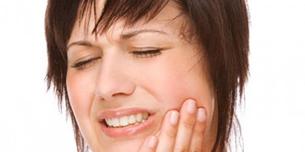 Răng cũng là một nguyên nhân gây đau đầu
