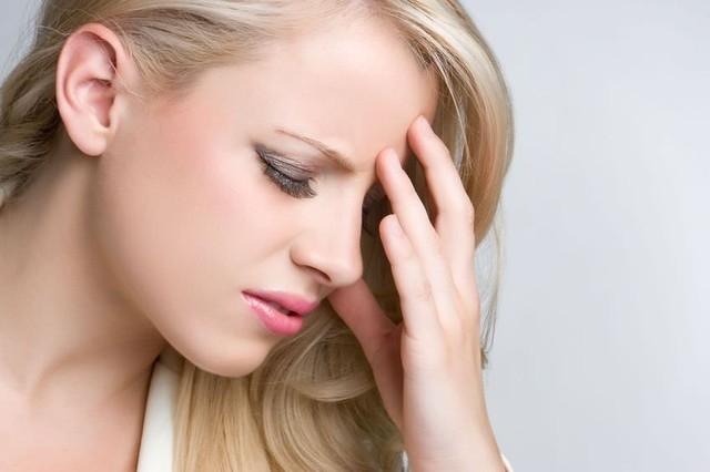 Đau đầu mãn tính là hiện tượng đau đầu kéo dài