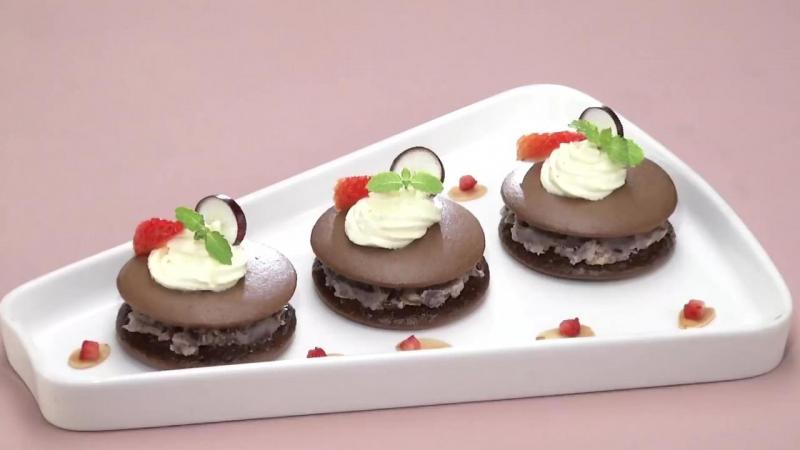 Bánh rán chocolate đậu đỏ hạnh nhân