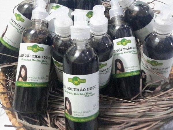 Sản phẩm dầu gội thảo dược Hồng Lam