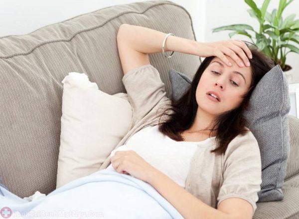 Khi bạn thường xuyên đi ngoài, mất nước, chán ăn và khó chịu sẽ dẫn tới cơ thể suy nhược, mệt mỏi.