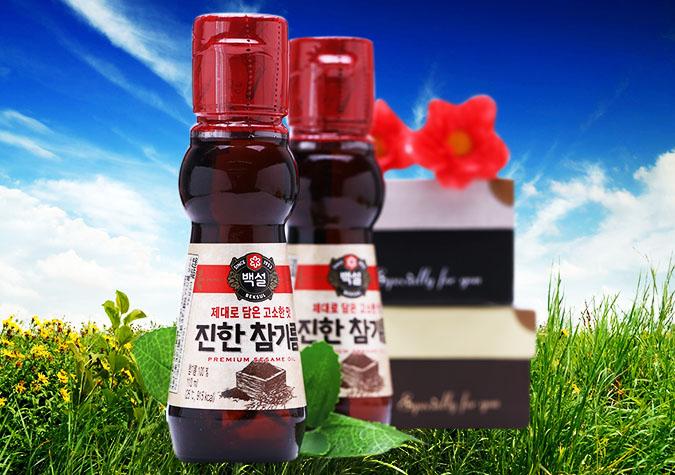 Dầu mè Beksul được tinh luyện từ 100% hạt mè nguyên chất, quy trình chế biến hiện đại nên lưu giữ được các dưỡng chất tự nhiên có trong dầu. .