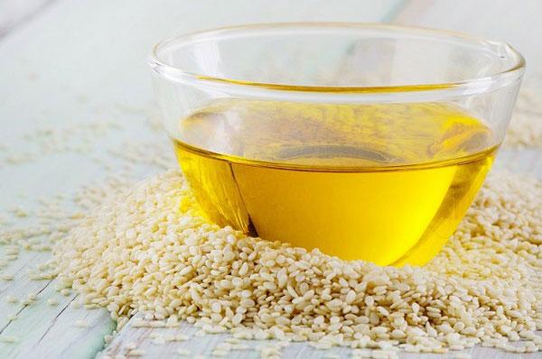 Dầu mè Nakydaco Sesa được sản xuất từ tinh dầu mè tự nhiên 100% không chứa cholesterol