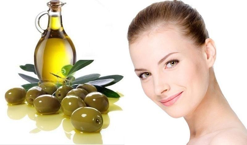 Dầu ô liu là một trong những nguồn chủ yếu cung cấp axit alpha-linolenic giúp giữ ẩm cho da của bạn, săn chắc và ngăn ngừa lão hóa