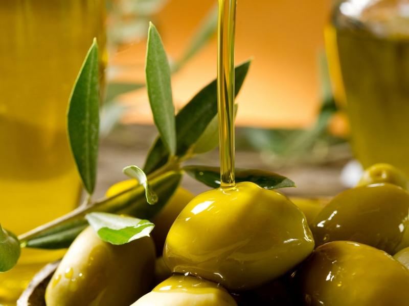 Dầu olive dưỡng móng