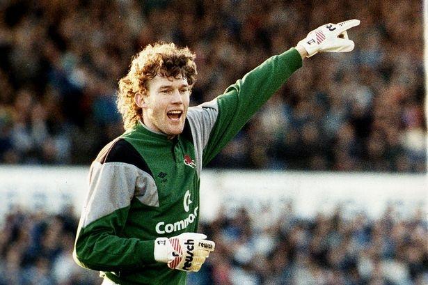 Dave Beasant, thủ thành nhiều tuổi nhất từng ra sân thi đấu