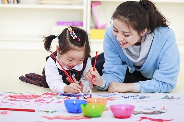 Cha mẹ Nhật dạy trẻ học cách lặp đi lặp lại