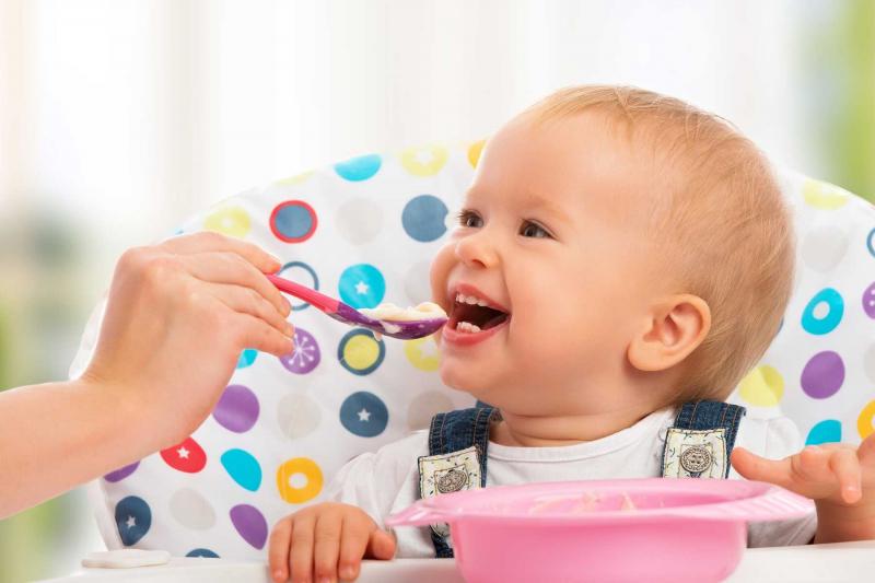 Khi đói bé sẽ ăn ngon hơn