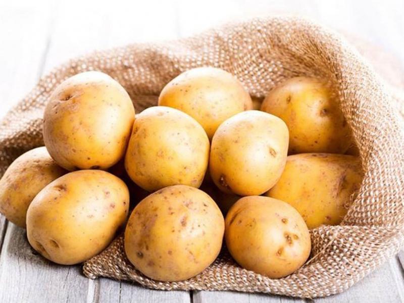 Không để khoai tây trong tủ lạnh