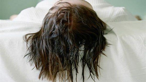 Không để tóc ướt khi đi ngủ