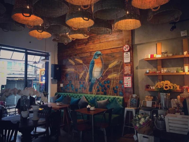 Là một tiệm trà bánh nổi tiếng, deLYcious by Cent mang vẻ đẹp kết hợp giữa cổ điển và hiện đại