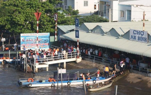 Bến tàu chợ An Bình