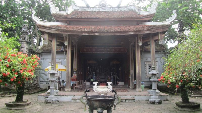 Đền thờ Đức Thánh Chử Đồng Tử