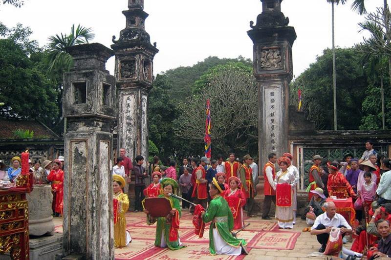 Đền Cờn là một di tích lịch sử nổi tiếng linh thiêng của Nghệ An