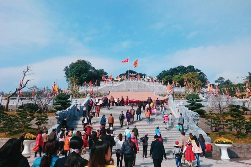 Lễ hội đền Cửa Ông