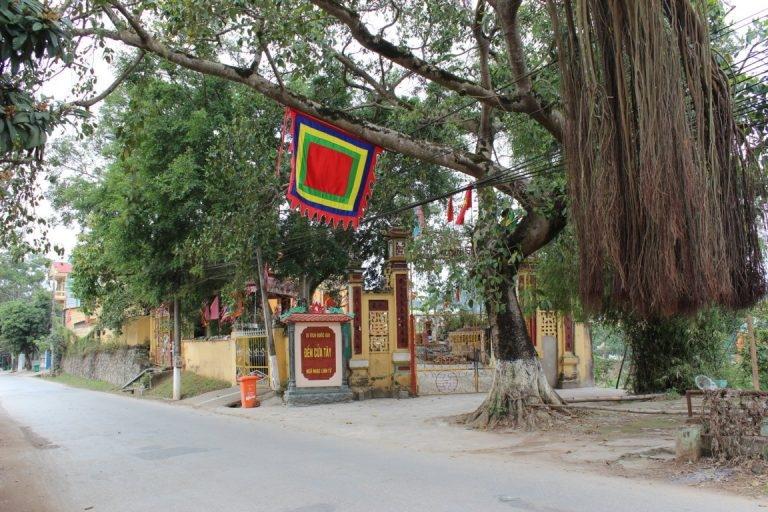 Đền Cửa Tây Lạng Sơn là một trong nhưng nơi thờ vọng Đức Thánh Trần