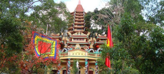 Top 24 ngôi đền chùa linh thiêng nhất nên đến vào dịp đầu năm mới ở miền Bắc