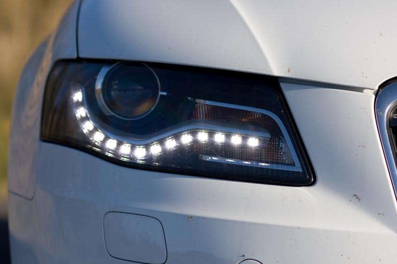 Đèn pha công nghệ cao