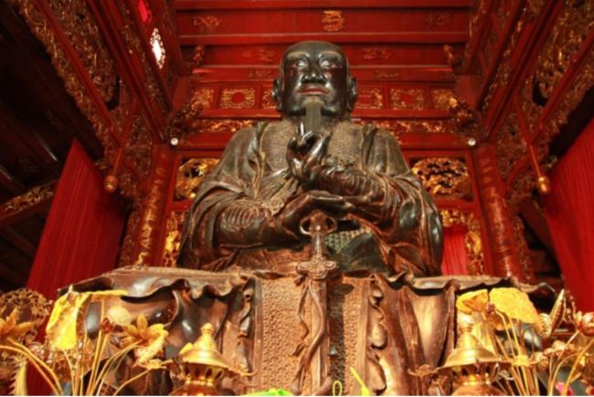 Pho tượng Huyền Thiên Trấn Vũ là một công trình nghệ thuật độc đáo