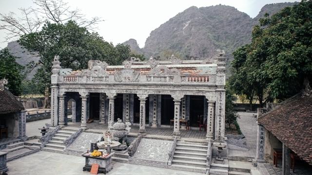 Chính điện đền Thái Vi