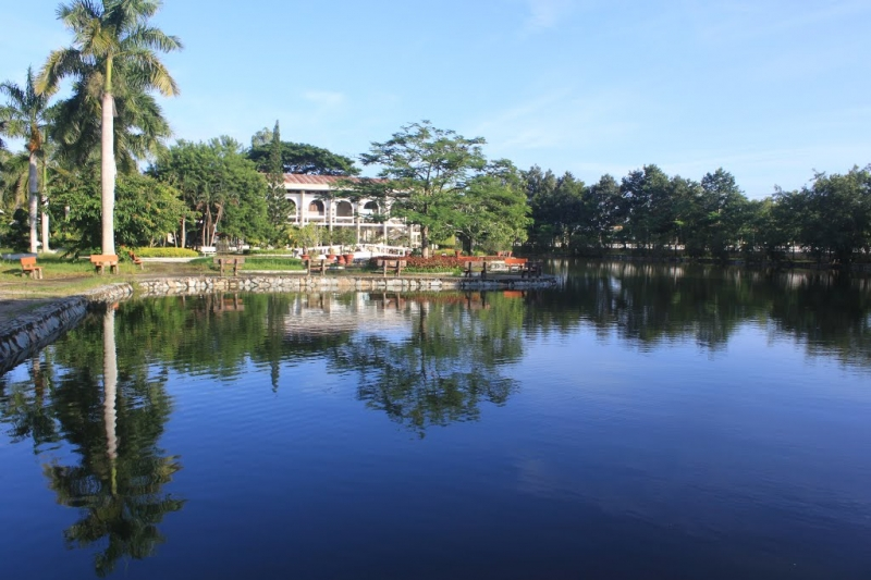 Khuôn viên đền thờ Bác Hồ
