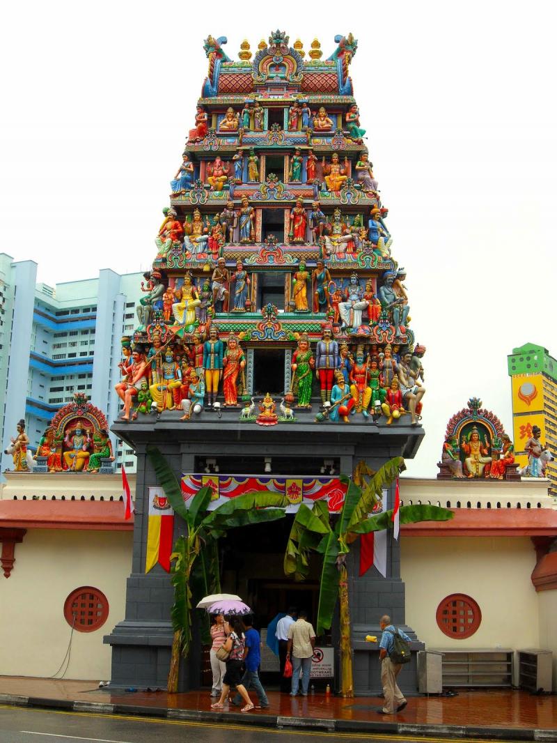 Kiến trúc của ngôi đền vô cùng độc đáo và cổ kính.