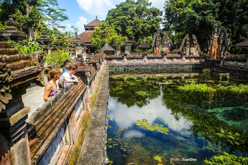 Đền Tirta Empul Temple