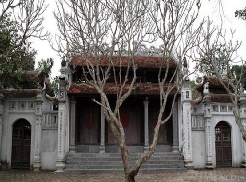 Cửa đền Vũ Điện