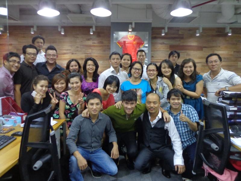 Tập thể thành viên Dentsu Việt Nam