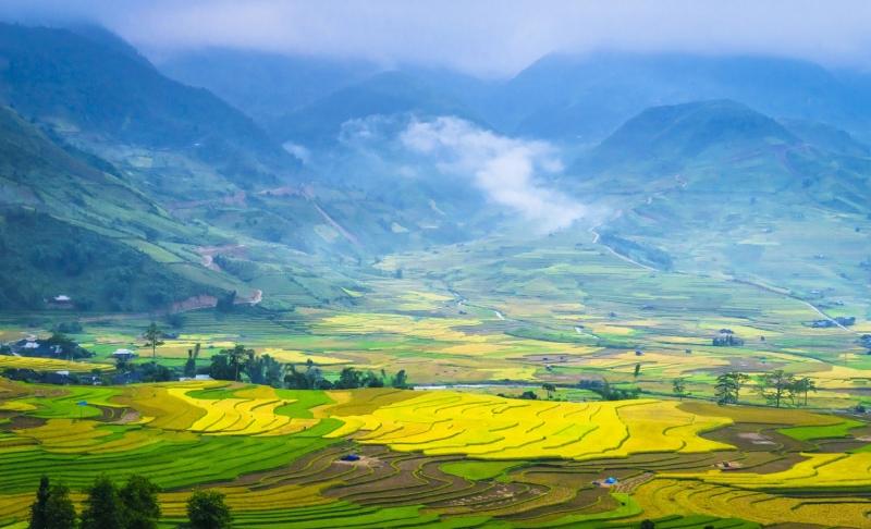 Cảnh nhìn từ đèo Khau Phạ