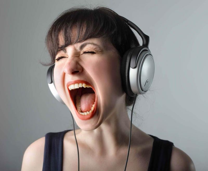 Đeo tai nghe quá nhiều